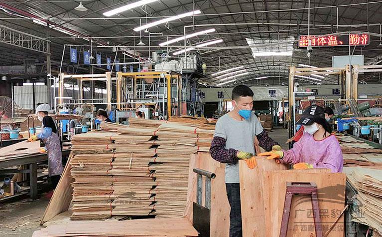 多层板厂家对于排版有着严格的要求